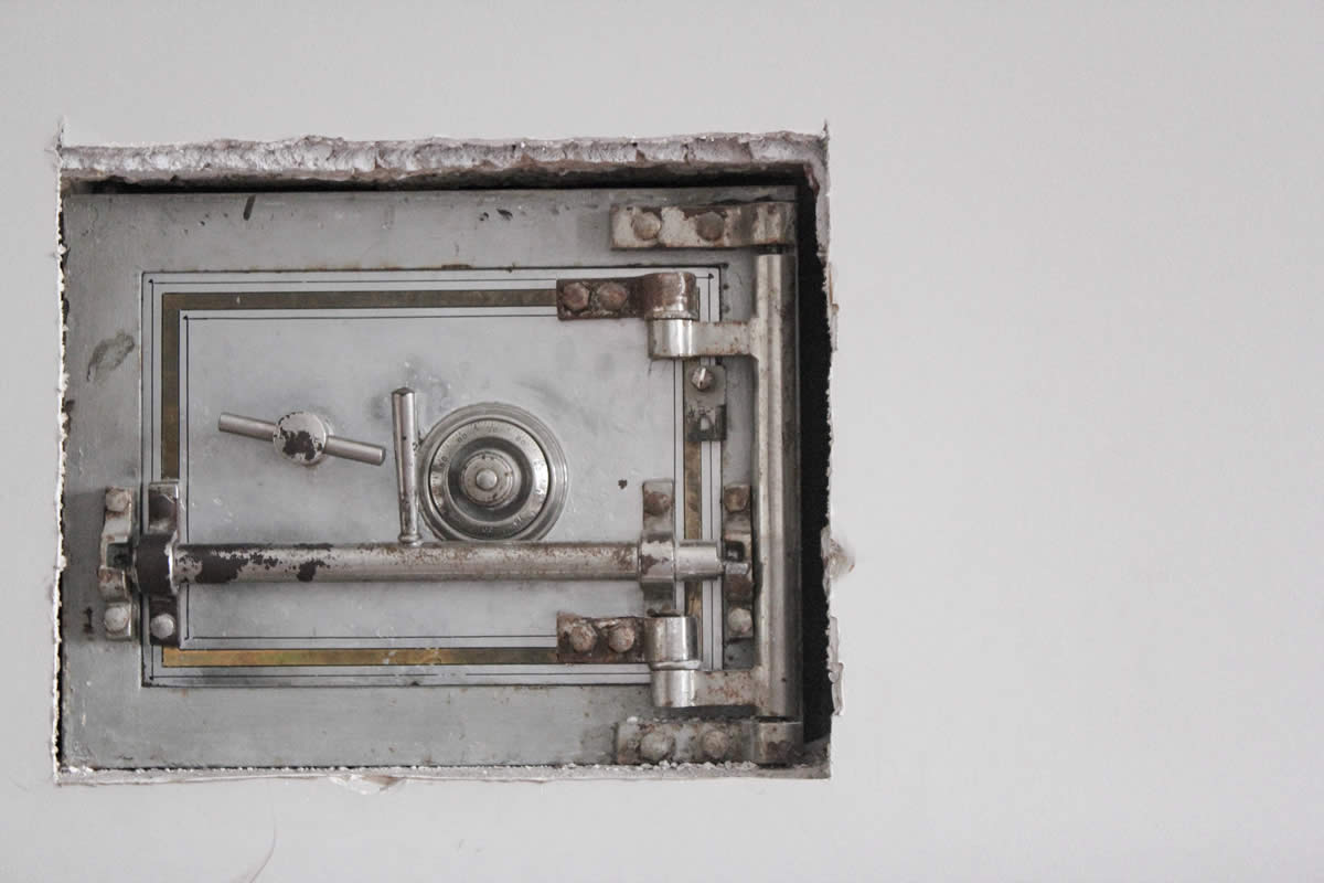 Replacing a Safe Lock: All you need to know
