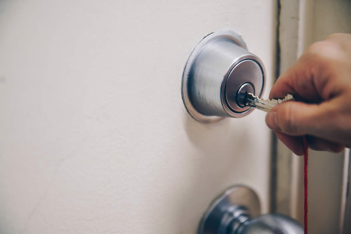 Questions you need to ask before replacing a deadbolt lock
