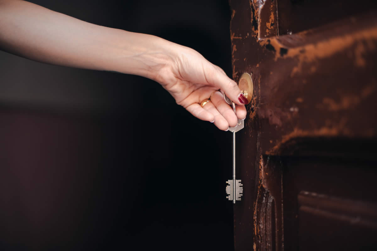 How to Get a Home's Broken Key Unstuck