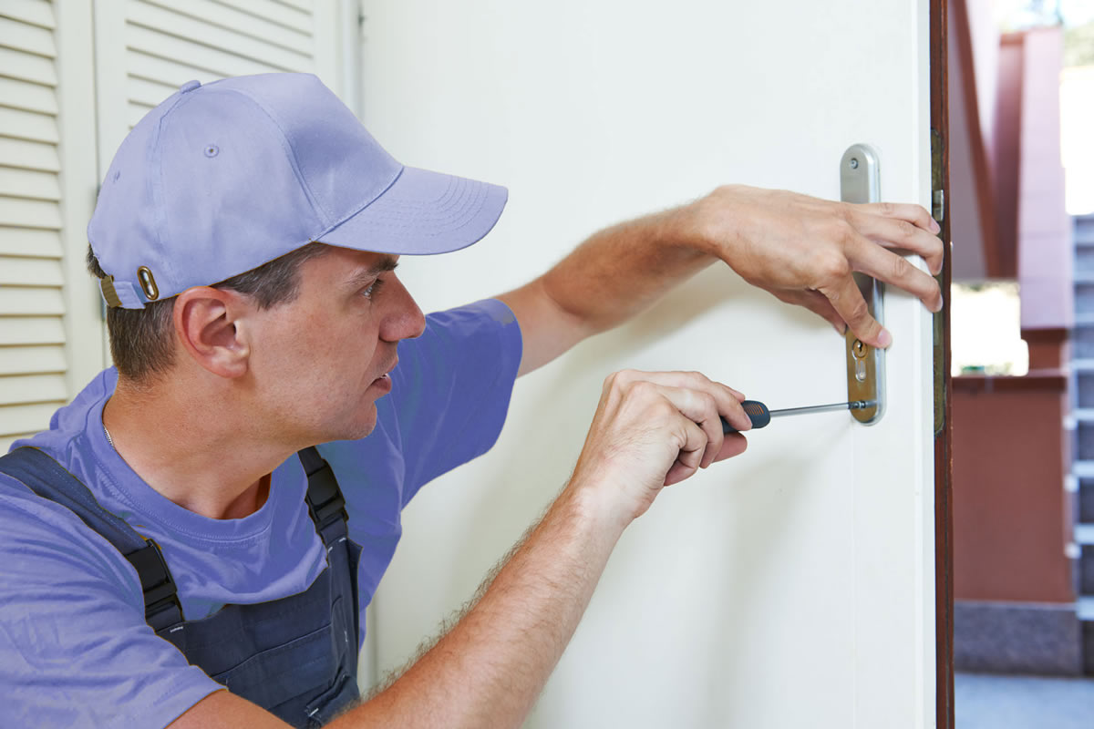 Four Reasons You Need a Locksmith