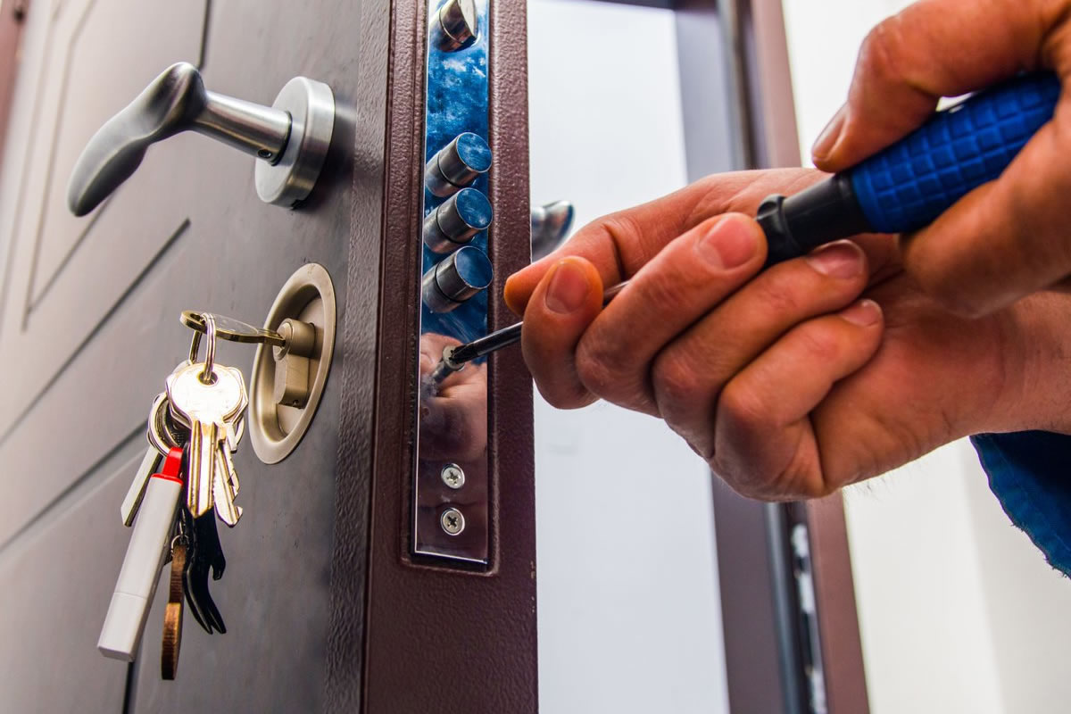 Three Quality Services that a Locksmith Provides