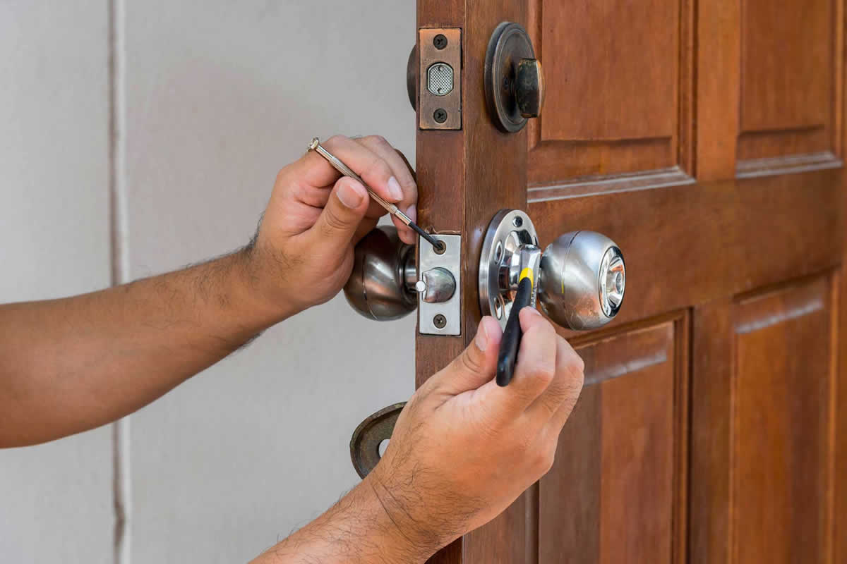 Six Reasons to Call a Locksmith