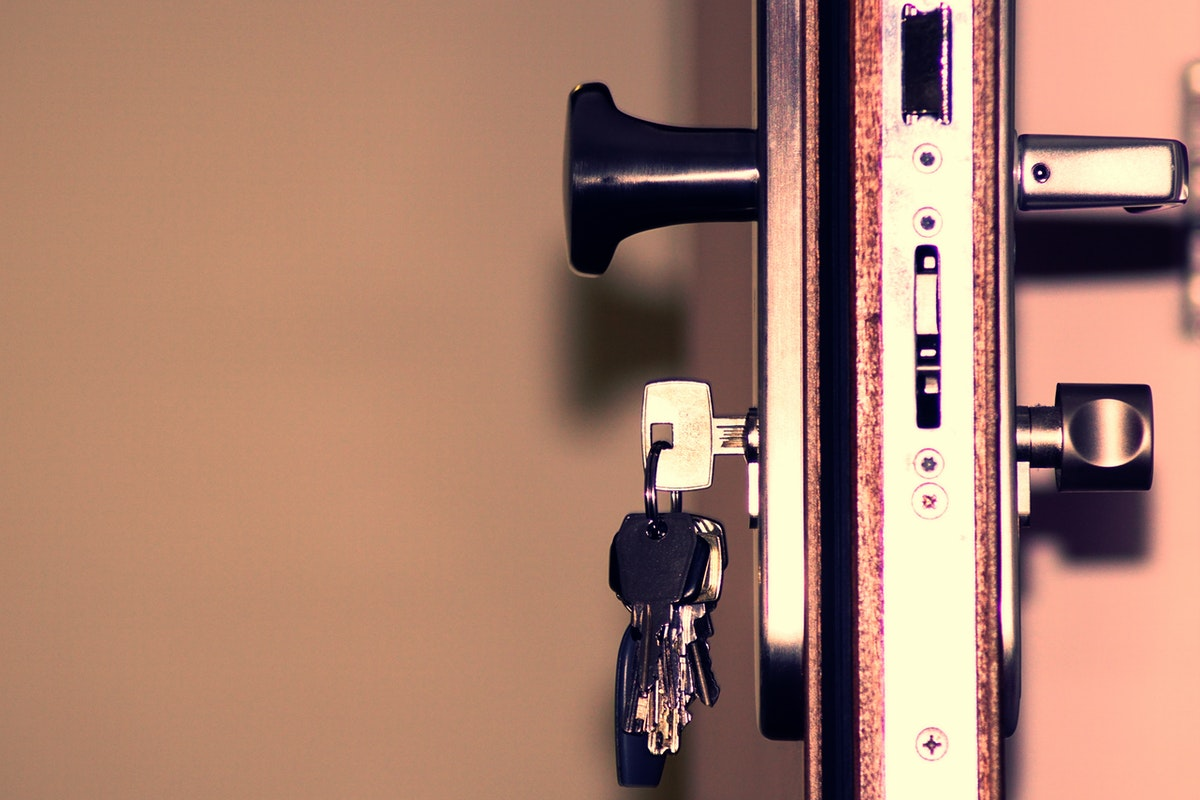 Four Tips to Replacing Locks in Your New Home