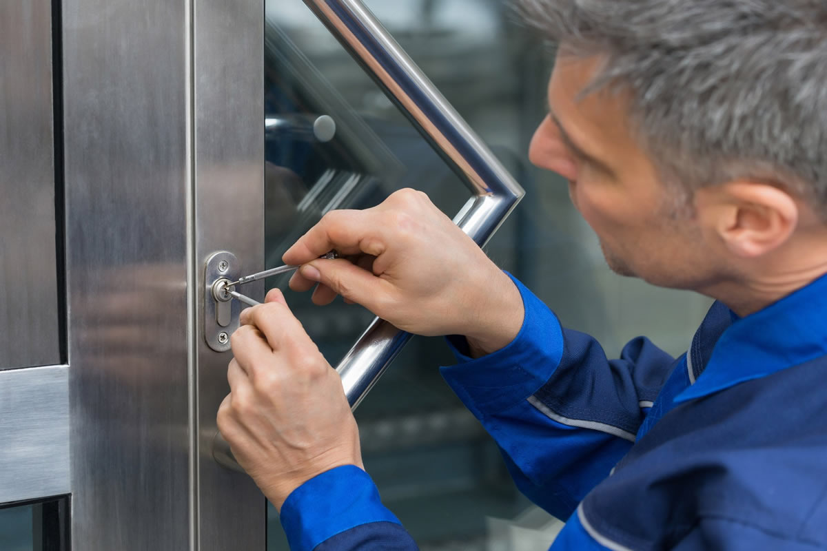 How to Choose the Right Locksmith